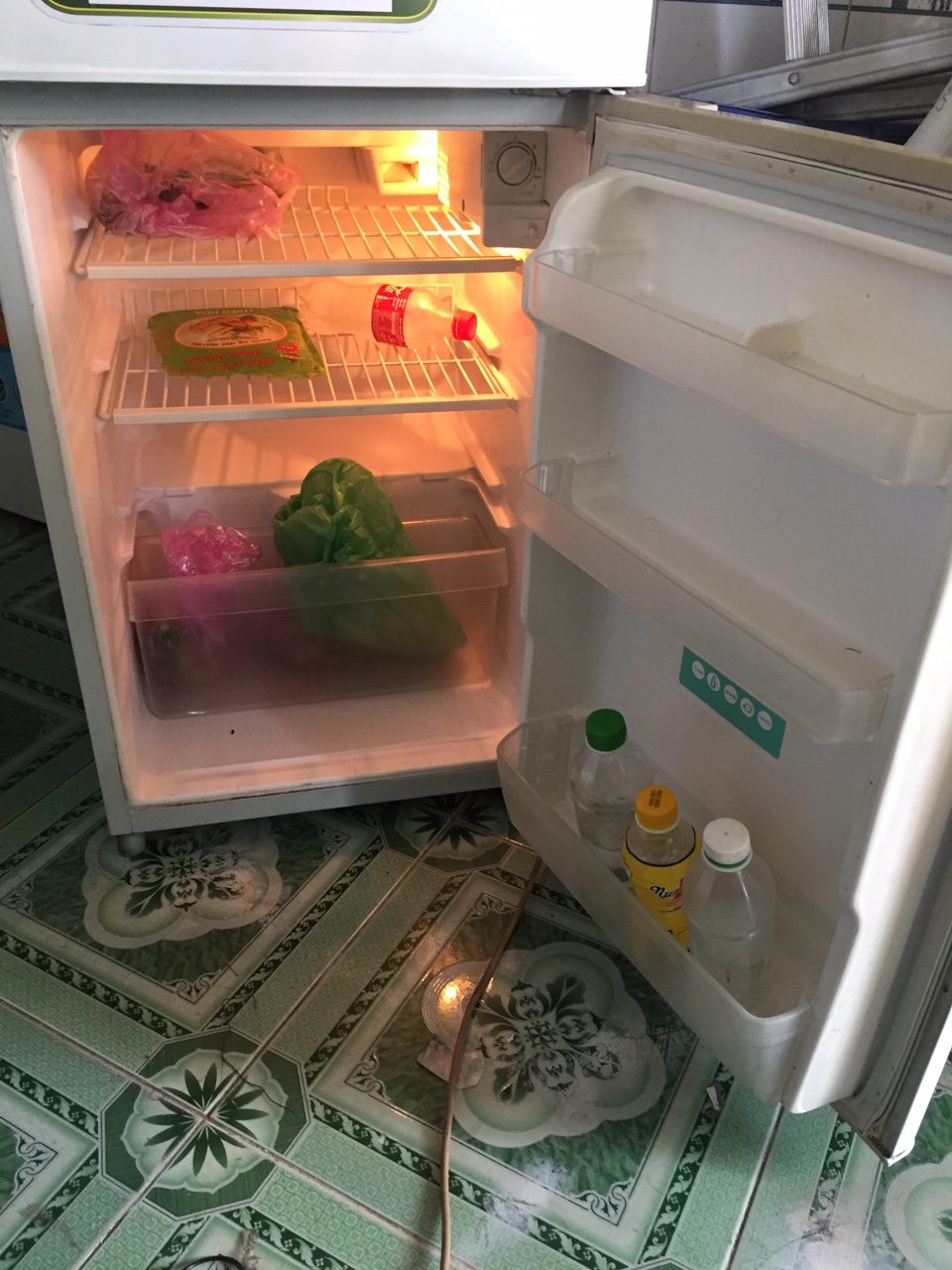 Tủ lạnh TOSHIBA 130l 93-3