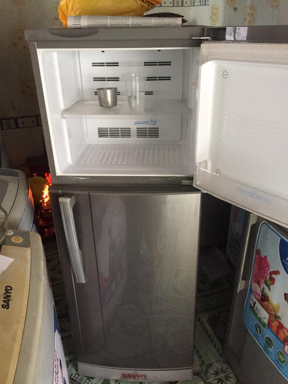 Tủ Lạnh Cũ Sanyo 205L 98%-3